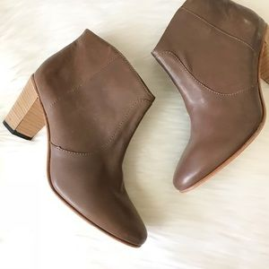 Johnston & Murphy Etta Brown Leather Bootie NWT